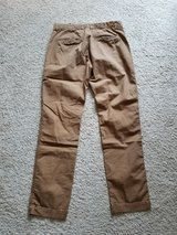 H&M 32x32 Slim Khaki Pants in Camp Lejeune, North Carolina