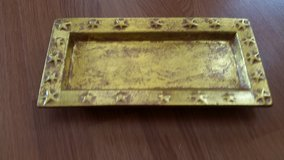 Gold Tray pending pu in St. Charles, Illinois