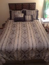 5 Piece Comforter / Bedspread set, queen in Fort Leonard Wood, Missouri