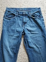 Old Navy 38x32 Loose Jeans in Camp Lejeune, North Carolina