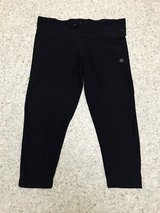 Adidas work out leggings size M in Fort Irwin, California