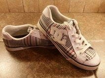 Women's DC shoes---size 8 in Pasadena, Texas