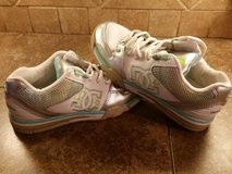 DC shoes…excellent condition in Pasadena, Texas
