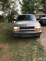 2000 Chevy Blazer in Elizabethtown, Kentucky