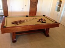 GORGEOUS EIGHT (8') FT BRUNSWICK SOLID CHERRY TOURNAMENT POOL TABLE in Cherry Point, North Carolina
