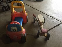 Kids outdoor push toys in Oswego, Illinois