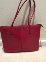 red leather purse in St. Charles, Illinois