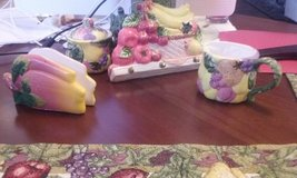 KITCHEN FRUIT DECOR SET WITH EXTRAS in Lackland AFB, Texas
