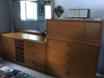 Retro bedroom set in Bartlett, Illinois
