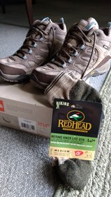 North Face Women's Hiking Boots Size 8 in Glendale Heights, Illinois