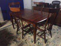 Dining Room Table/Chairs in Wheaton, Illinois