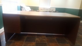 Executive Office Desk in Clarksville, Tennessee