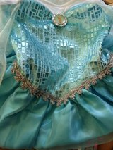 Size four Elsa dress in excellent condition in Shorewood, Illinois