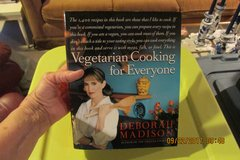 Vegetarian Cookbook - 1400 Recipes - GIFTABLE !  (Never Used) in Kingwood, Texas