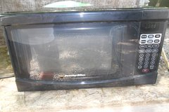 Procter silex 700 watts microwave in Fort Campbell, Kentucky