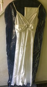Wedding dress formal white silk in Ramstein, Germany