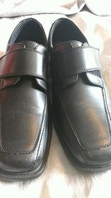 Mens size 8 shoes in Lakenheath, UK