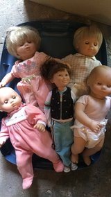 Garage sale, many name brands: Kenneth Cole, Calvin Klein, American Girl Dolls in Tinley Park, Illinois