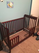 Baby Crib and Toddler Bed all in one in Kansas City, Missouri