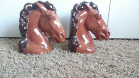Hand painted ceramic horse head bookends in Byron, Georgia