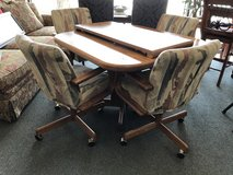 Table and 4 chairs in Aurora, Illinois