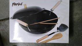 WOK-5 PC.  SET (NEW IN BOX) in bookoo, US