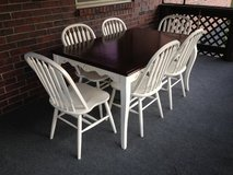 Dining table and 6 chairs in Springfield, Missouri