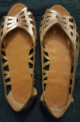 gold sandals in Travis AFB, California