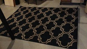 NICE AREA RUG/NAVY BLUE AND WHITE 5 X 7 in Aurora, Illinois