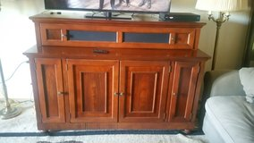 Mahogany Et Lift TV cabinet in Fort Lewis, Washington