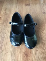 Girls tap shoes size 8.5 in Okinawa, Japan