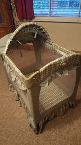 Travel cot Two stages High or Low in Lakenheath, UK