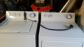 Washer and dryer in New Lenox, Illinois