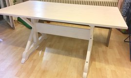 Dining table White (Almost new) in Stuttgart, GE