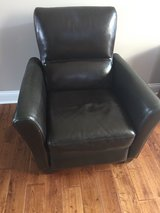 Brown recliner chair - great conditon! in Oswego, Illinois