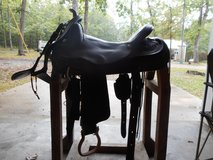 "17"" CIRCLE Y CUTTING & REINING SADDLE WITH ACCESSORIES in Fort Leonard Wood, Missouri"