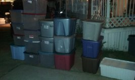 Totes/plastic bins with lids in San Diego, California