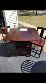 Cafe style kitchen table in Orland Park, Illinois