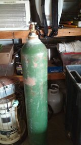 Large Welding/Cutting Oxygen Bottle with Oxygen and Small Brazing Hoses and Tips. in Alamogordo, New Mexico