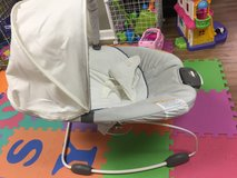 Baby bouncy seat in Fort Campbell, Kentucky