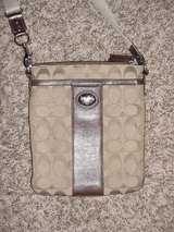 Coach Tan Leather Sign Crossbody #43976 in Camp Lejeune, North Carolina