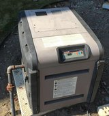 2009 Hayward H200FDN Natural Gas Pool Heater in Orland Park, Illinois