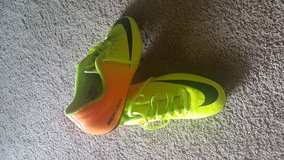 Nike soccer cleats 9.5 in Fort Drum, New York