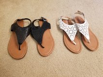 Sandals size 8 in Travis AFB, California