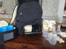 Medela pump w/ accessories in Elgin, Illinois