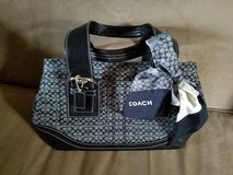 EXCELLENT CONDITION! Coach Purse w/ Coach Scarf in Fort Campbell, Kentucky