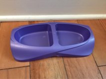 Plastic pet food bowls in St. Charles, Illinois