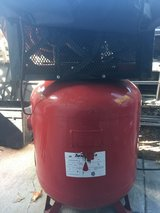 SNAP ON AIR COMPRESSOR in Camp Pendleton, California