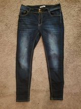 Encore Skinny Jeans Size 13! LIKE NEW! in Fort Campbell, Kentucky