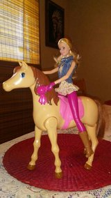 new saddle n ride horse with Barbie in 29 Palms, California